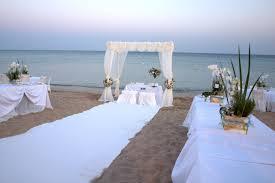 Fiumicino, oggi primo matrimonio in riva al mare e il Comune guadagna dai 500 ai 1000 euro a cerimon...