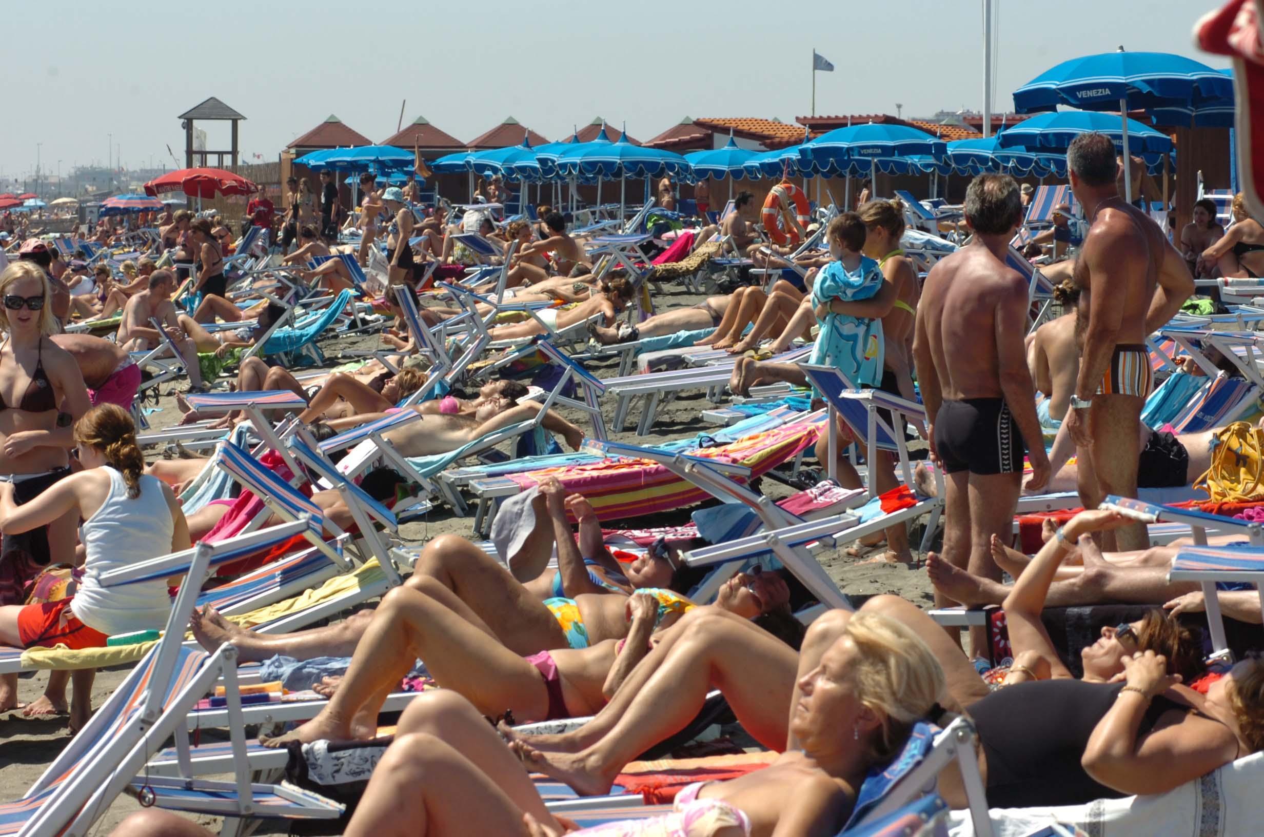 L'estate della crisi, Ostia è la meta dei romani per le mini-vacanze