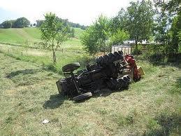 Ardea, si ribalta trattore: uomo muore in un'azienda agricola