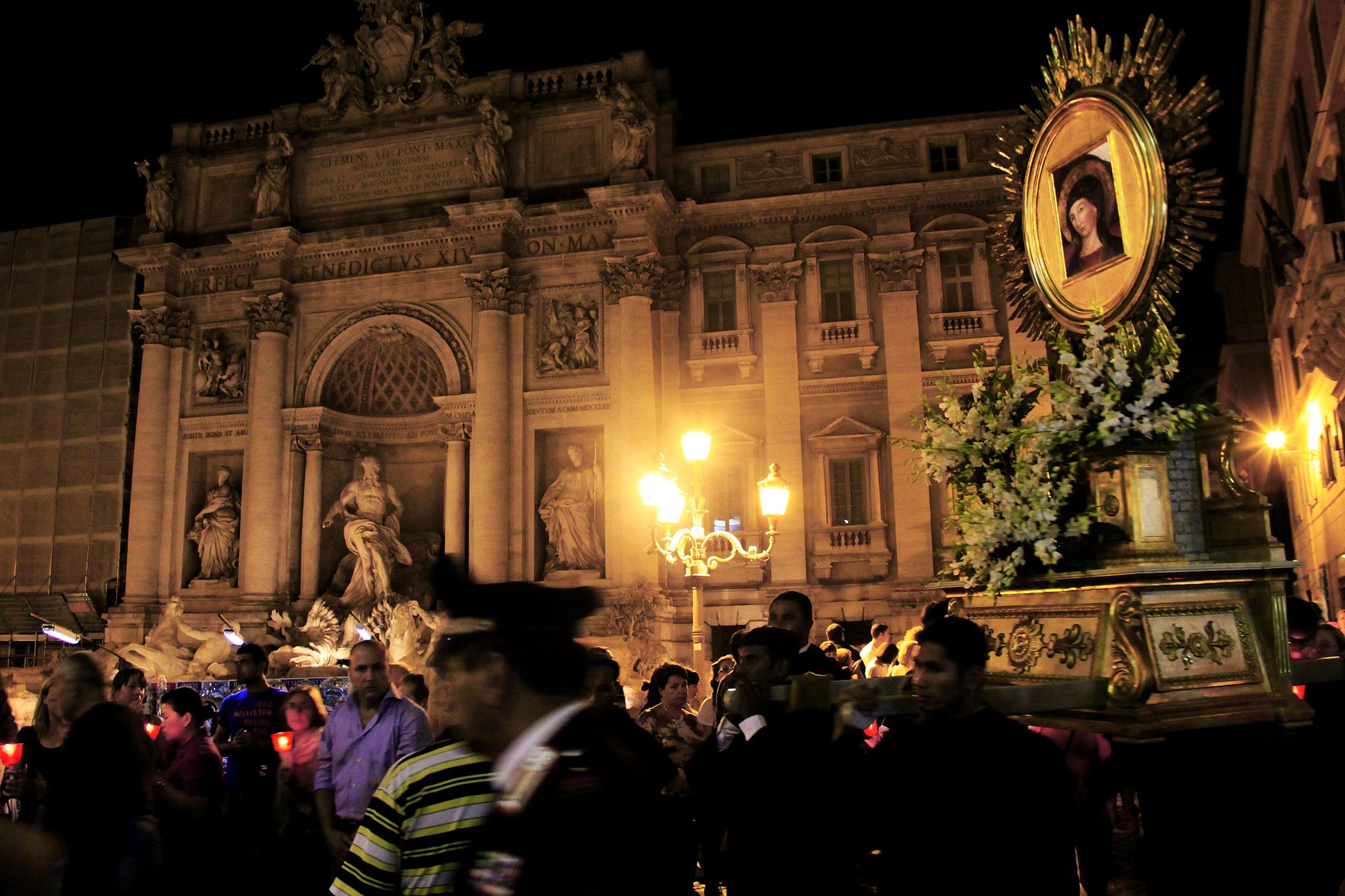 Fontana di Trevi, la Madonna del Pozzo per le strade del centro