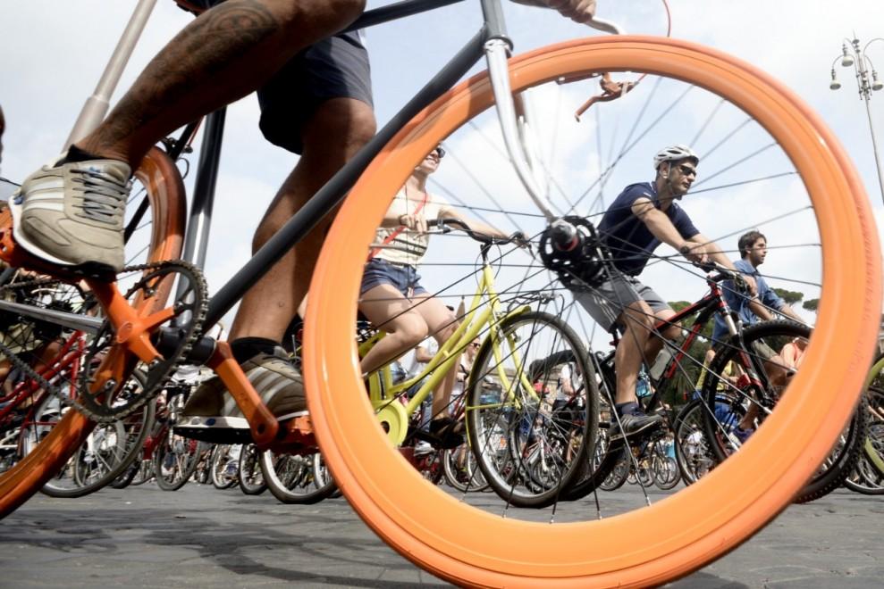 Bike walk, tour in bici alla scoperta di Roma per l'ecosostenibilità