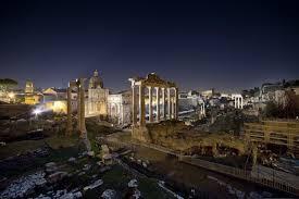 Fori Imperiali, per il Natale di Roma l'area illuminata. Costo: 15 milioni di euro