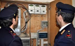 Fiumicino, ruba elettricità a cantiere nautico e aggredisce i proprietari: arrestato