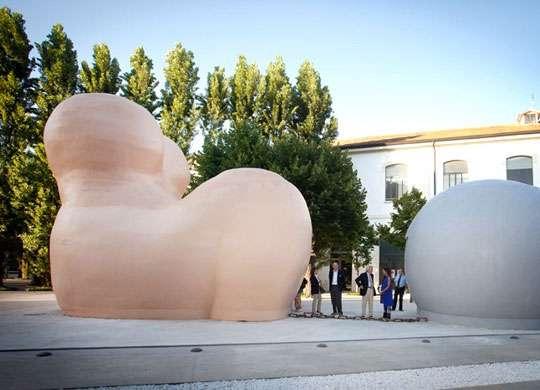 Maxxi, atti vandalici contro le opere dell'artista Pesce Melandri: