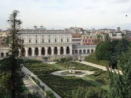 Villa Albani, travolta da un busto di marmo: ferita restauratrice