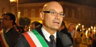 Latina, si dimette il sindaco De Giorgi:
