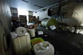 Muro torto, abitava dentro una centralina Acea del sottopasso: fermato un tunisino