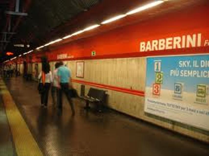Vigilantes si uccide con un colpo si pistola: il cadavere ritrovato nella stazione Barberini
