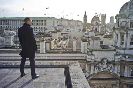 007 nel cuore di Roma: il Bond di Craig si paracaduterà su ponte Sisto