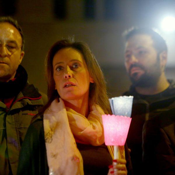 Cucchi, una fiaccolata per Stefano: mille candele davanti al Csm per accendere la verità