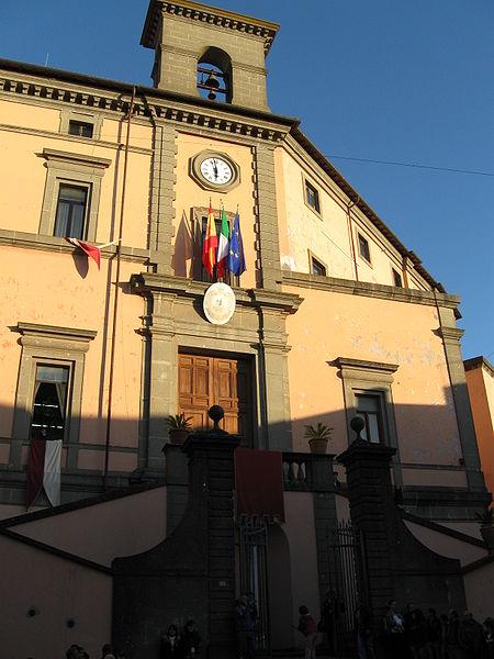 Unioni civili, la città di Marino pronta a varare la delibera