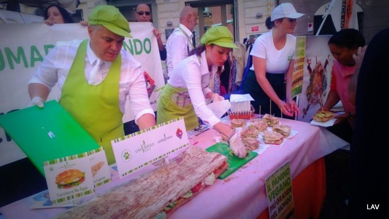 World vegan day, Lav a largo Argentina per promuovere il veganesimo e dire