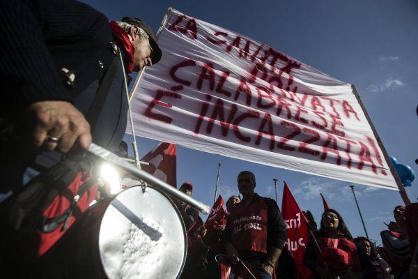 Sicurezza, allarme per lo sciopero sociale di domani: tavolo in questura