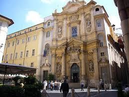Sassi contro la chiesa di Santa Maria Maddalena: infranto il lucernario