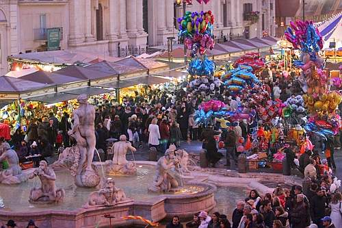 Piazza navona salta il mercatino della befana ma sar for Il mercatino roma