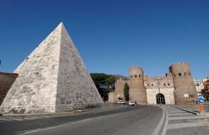 Archeologia, terminato il restauro della Piramide Cestia