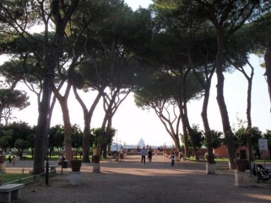 Alla scoperta del colle più chic di Roma: l'Aventino