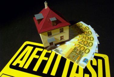 Caro-affitti, quasi 600 euro per una stanza agli studenti fuori sede