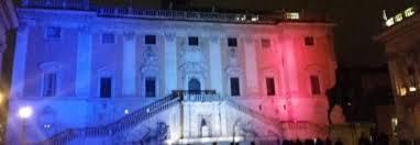 Charlie Hebdo, palazzo Senatorio illuminato con i colori della Francia