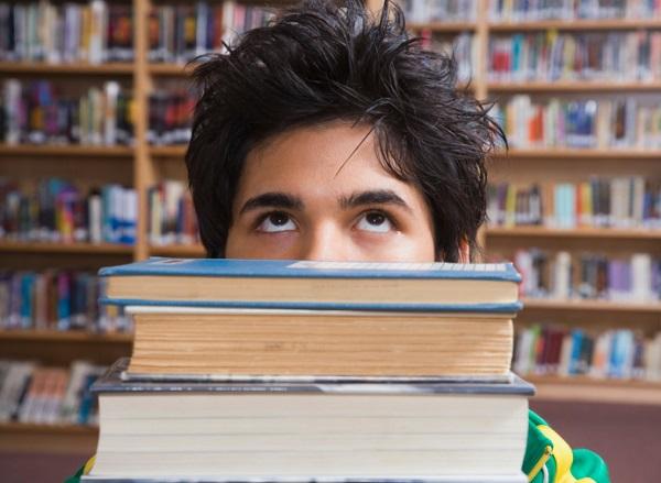 SCUOLA – Gli studenti che non arrivano al diploma sono molti di più del 17% ufficiale: mancano gli e...