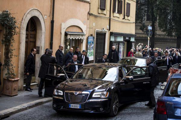 Napolitano, il Rione Monti saluta il presidente emerito: