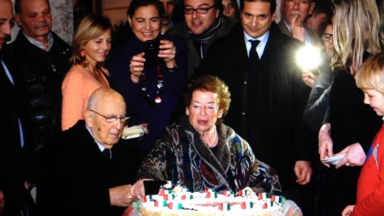 Il Rione Monti abbraccia Napolitano: