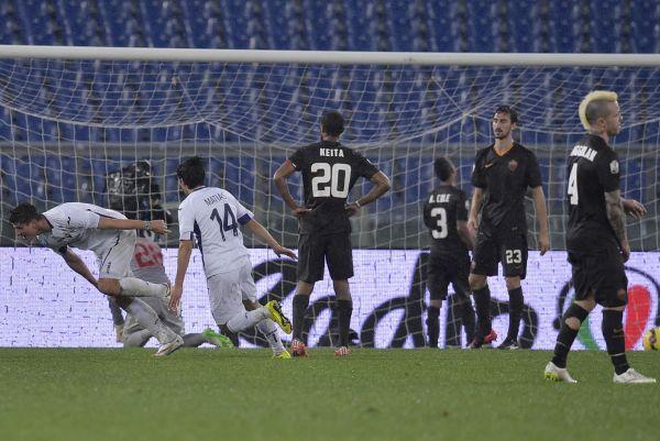 Roma, la Fiorentina certifica la crisi: 2-0 e semifinale di Coppa Italia. Garcia: