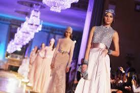 Altaroma, la moda viaggia in Oriente con Curiel