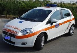 Incidenti, scontro con un'automedica: ferita la persona a bordo