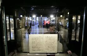 Galileo, la lettera sulla teoria eliocentrica esposta alla Galleria Alberto Sordi