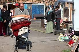 Rifiuti ai rom, il sindaco Marino: