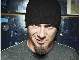 Il ritorno dello zio del rap italiano: J Ax all'Atlantico live apre il suo tour