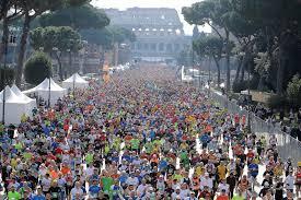Maratona di Roma, in 80mila sfidano la pioggia per correre nella storia. Trionfo etiope, Masini: