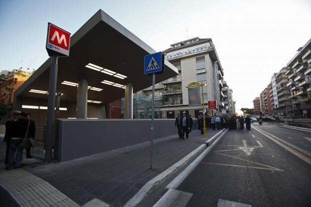 Metro B1, per il suo Natale Roma si regala la stazione Jonio. Ma tra sabato e domenica stop alle cor...