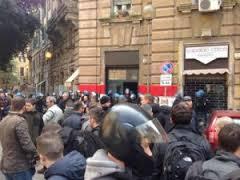 Flaminio, sgomberata la sede di Blocco studentesco: tensioni con la polizia