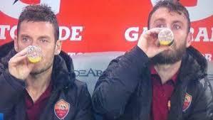Roma, la strana deriva dei capitani Totti e De Rossi in panchina contro la Juve