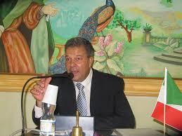 Marino, arrestato il sindaco Silvagni: accusa di corruzione e peculato. La sua maggioranza lo difend...