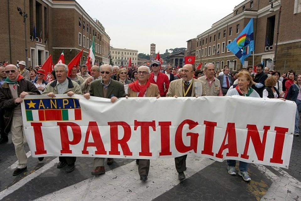 25 aprile, per la Liberazione 42 eventi nel Lazio. Ma a Roma Anpi e Comunità ebraica divise. Nel gio...