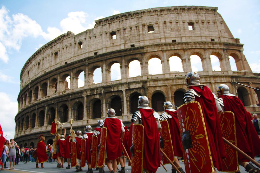 Roma e il suo Natale tra stravaganti esibizioni e nuove proposte di abbellimento
