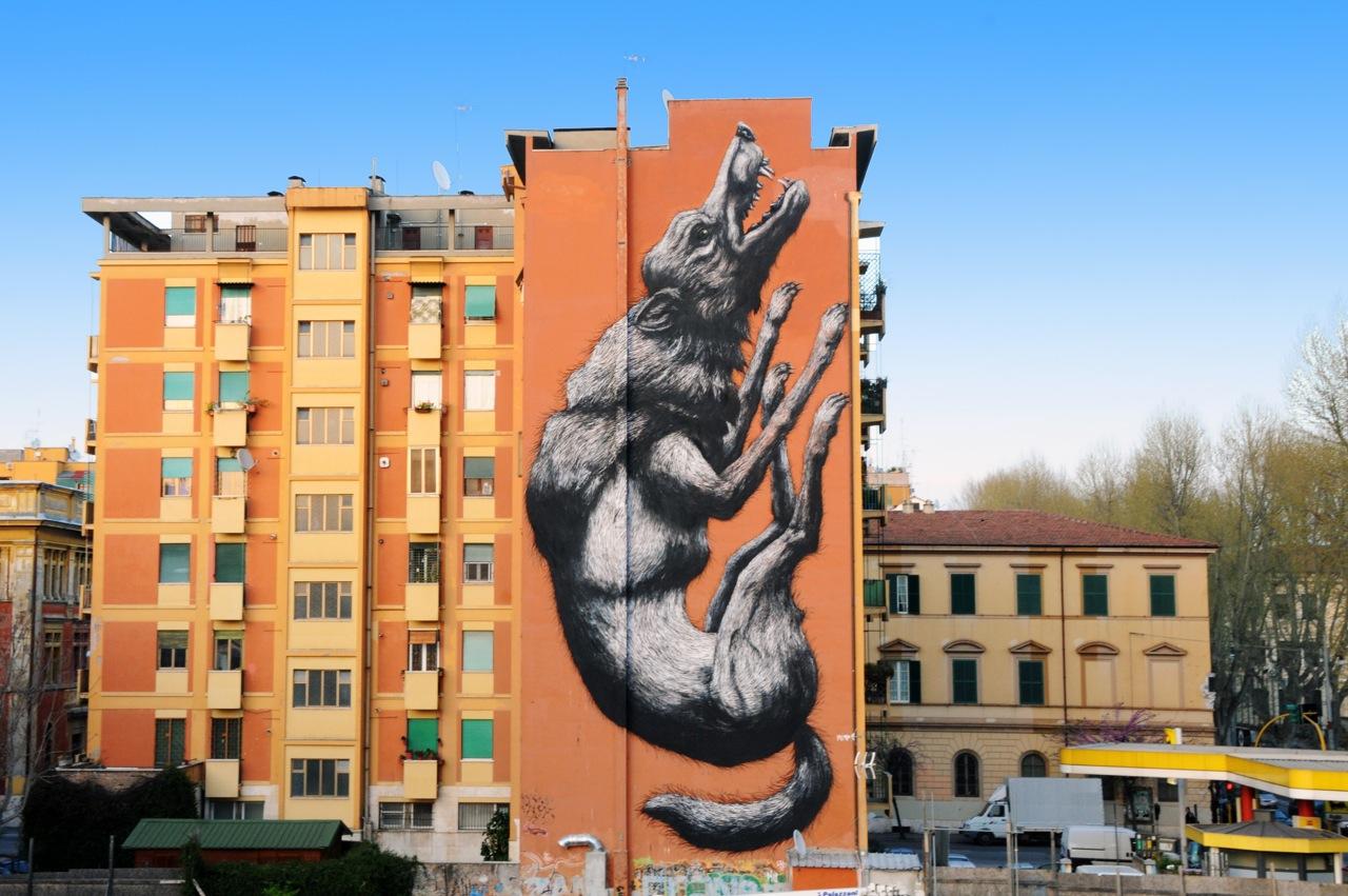 Una nuova mappa per la guida alla street art di Roma: vandali imbrattano un muro