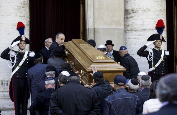 Toaff: in centinaia per il saluto in Sinagoga, nel pomeriggio funerali a Livorno. Papa: