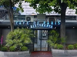 """Ora tutti scoprono il """"buco nero"""" di Via Veneto: il gazebo del Cafè de Paris è uno scandalo"""