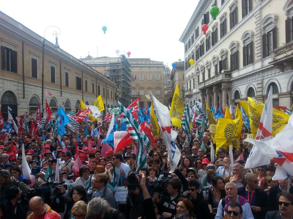 Centomila in piazza per dire no alla 'Buona scuola' di Renzi. Camusso: