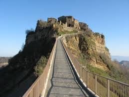 L'Unesco a Civita di Bagnoregio, il borgo che non vuole morire