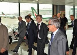 Incendio Fiumicino, sopralluogo del ministro Delrio: