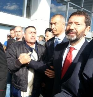 """Aurelio, il centrodestra contesta Marino: """"Buffone, vergogna, bocciato"""". E il sindaco parl..."""