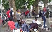 Immigrazione: tutti i profughi in città, viaggio tra chi aspetta un letto