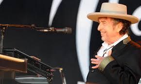 Bob Dylan si trasforma in menestrello tra le rovine di Roma