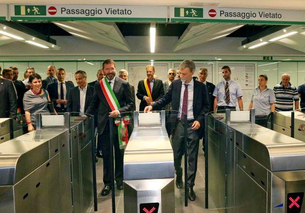Metro C, aprono altre 6 stazioni: in viaggio verso Lodi, sognando Ottaviano. Al taglio del nastro an...