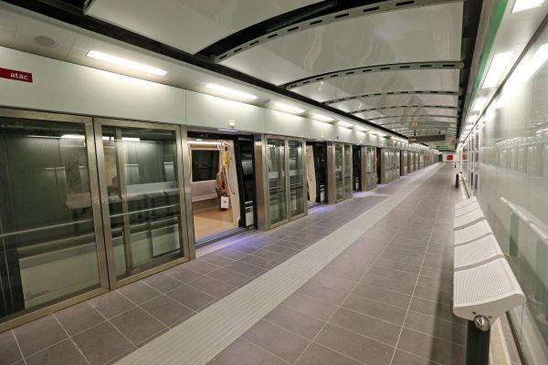 Metro C, vandali in azione e servizio rallentato